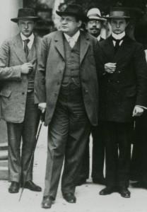 Adolf Busch, Max Reger und Fritz Busch auf einer Aufnahme von 1912. (Vorlage: Almut Ochsmann M.A., Karlsruhe)